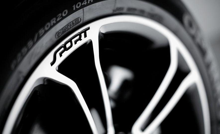 2013 Ford Explorer Sport - Slide 23
