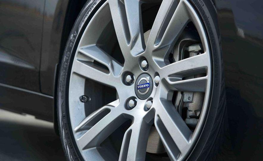 2012 Mercedes-Benz C250 Sport, 2012 Volvo S60 T6 AWD, 2012 Audi A4 2.0T Quattro, 2012 Infiniti G25, and 2012 BMW 328i - Slide 39