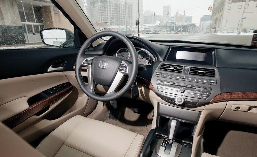 2012 Volkswagen Passat 2.5 SE, 2012 Honda Accord EX-L, 2012 Hyundai Sonata SE, 2012 Toyota SE, 2012 Kia Optima EX, and 2013 Chevrolet Malibu Eco - Slide 23