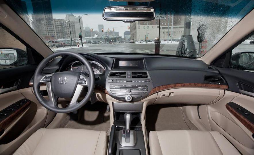 2012 Volkswagen Passat 2.5 SE, 2012 Honda Accord EX-L, 2012 Hyundai Sonata SE, 2012 Toyota SE, 2012 Kia Optima EX, and 2013 Chevrolet Malibu Eco - Slide 22