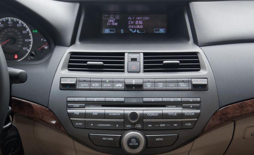 2012 Volkswagen Passat 2.5 SE, 2012 Honda Accord EX-L, 2012 Hyundai Sonata SE, 2012 Toyota SE, 2012 Kia Optima EX, and 2013 Chevrolet Malibu Eco - Slide 25
