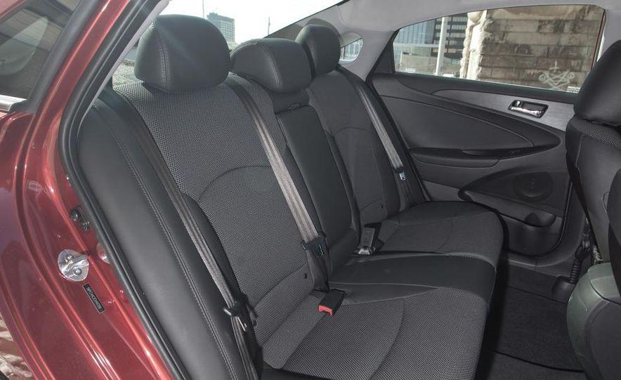 2012 Volkswagen Passat 2.5 SE, 2012 Honda Accord EX-L, 2012 Hyundai Sonata SE, 2012 Toyota SE, 2012 Kia Optima EX, and 2013 Chevrolet Malibu Eco - Slide 52