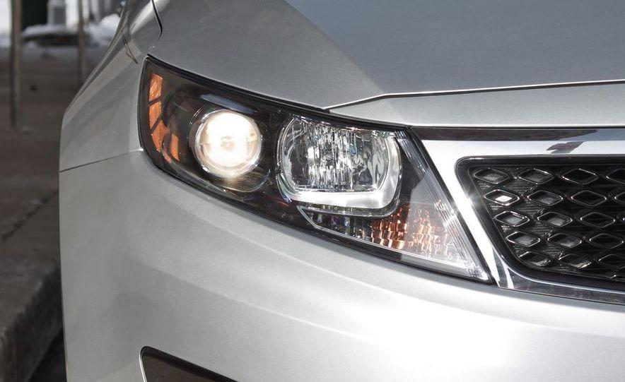2012 Volkswagen Passat 2.5 SE, 2012 Honda Accord EX-L, 2012 Hyundai Sonata SE, 2012 Toyota SE, 2012 Kia Optima EX, and 2013 Chevrolet Malibu Eco - Slide 32