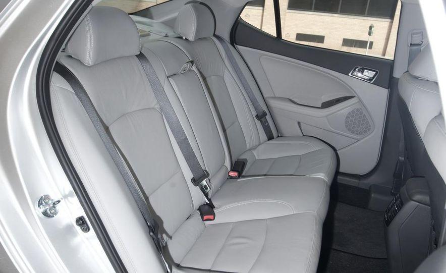 2012 Volkswagen Passat 2.5 SE, 2012 Honda Accord EX-L, 2012 Hyundai Sonata SE, 2012 Toyota SE, 2012 Kia Optima EX, and 2013 Chevrolet Malibu Eco - Slide 37