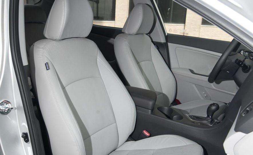 2012 Volkswagen Passat 2.5 SE, 2012 Honda Accord EX-L, 2012 Hyundai Sonata SE, 2012 Toyota SE, 2012 Kia Optima EX, and 2013 Chevrolet Malibu Eco - Slide 36