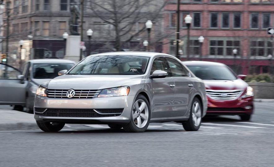 2012 Volkswagen Passat 2.5 SE, 2012 Honda Accord EX-L, 2012 Hyundai Sonata SE, 2012 Toyota SE, 2012 Kia Optima EX, and 2013 Chevrolet Malibu Eco - Slide 4