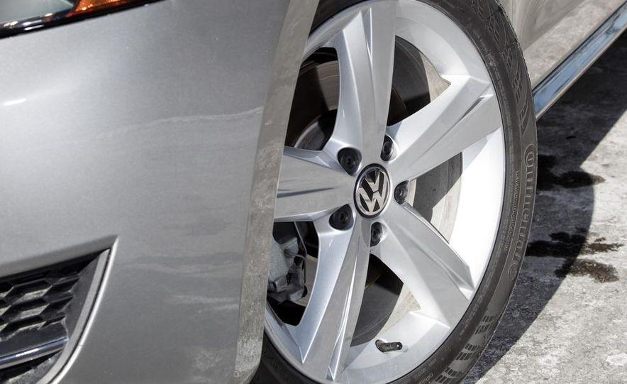 2012 Volkswagen Passat 2.5 SE, 2012 Honda Accord EX-L, 2012 Hyundai Sonata SE, 2012 Toyota SE, 2012 Kia Optima EX, and 2013 Chevrolet Malibu Eco - Slide 9