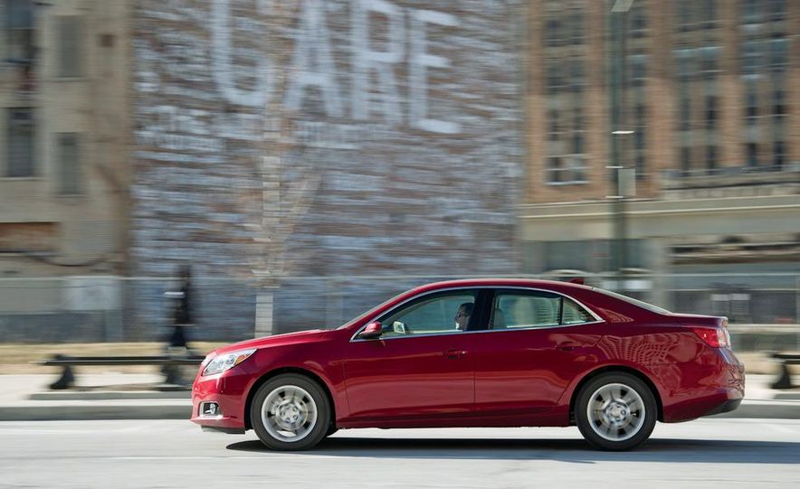 2012 Volkswagen Passat 2.5 SE, 2012 Honda Accord EX-L, 2012 Hyundai Sonata SE, 2012 Toyota SE, 2012 Kia Optima EX, and 2013 Chevrolet Malibu Eco - Slide 69