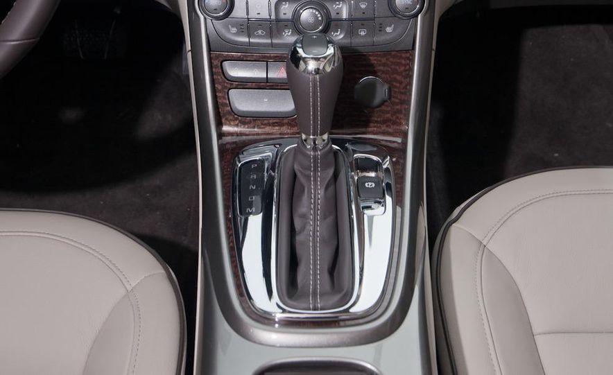 2012 Volkswagen Passat 2.5 SE, 2012 Honda Accord EX-L, 2012 Hyundai Sonata SE, 2012 Toyota SE, 2012 Kia Optima EX, and 2013 Chevrolet Malibu Eco - Slide 77