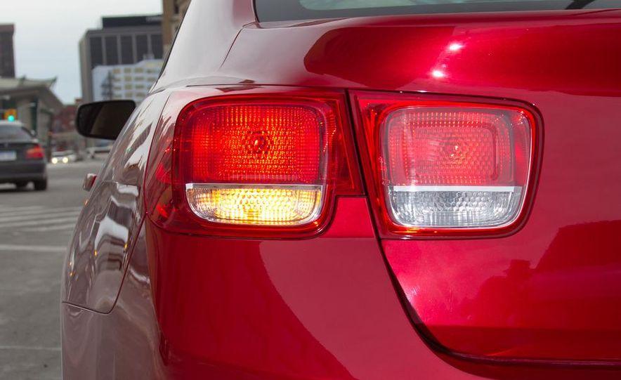 2012 Volkswagen Passat 2.5 SE, 2012 Honda Accord EX-L, 2012 Hyundai Sonata SE, 2012 Toyota SE, 2012 Kia Optima EX, and 2013 Chevrolet Malibu Eco - Slide 72