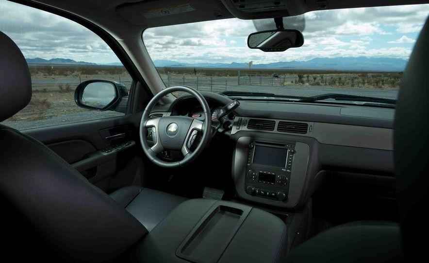 2012 Ford F-250 Super Duty King Ranch 4x4 crew cab and 2012 Chevrolet Silverado 2500 LTZ 4WD crew cab - Slide 19