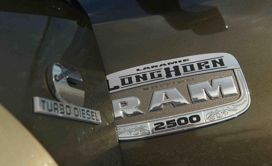 2012 Ford F-250 Super Duty King Ranch 4x4 crew cab and 2012 Chevrolet Silverado 2500 LTZ 4WD crew cab - Slide 31
