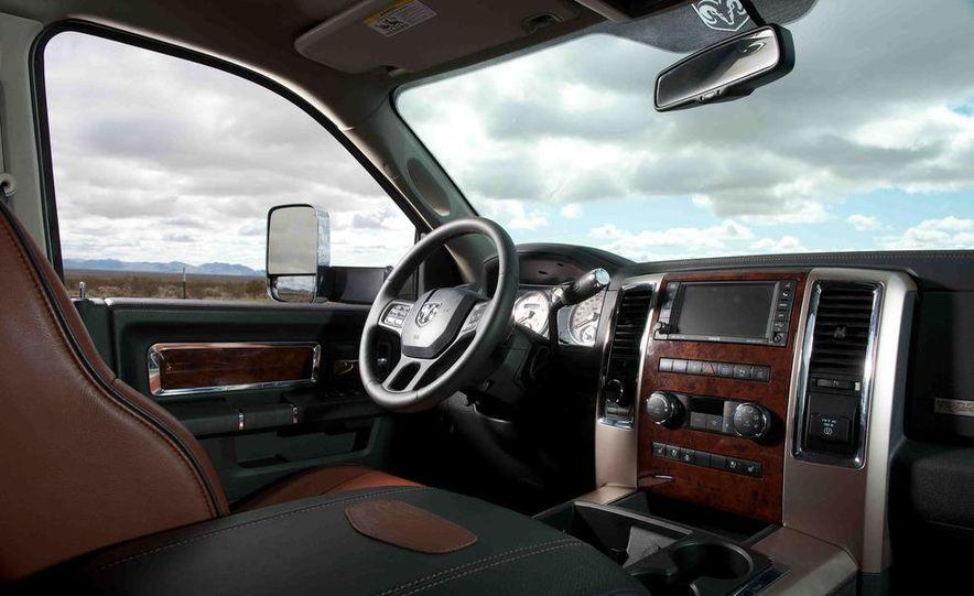 2012 Ford F-250 Super Duty King Ranch 4x4 crew cab and 2012 Chevrolet Silverado 2500 LTZ 4WD crew cab - Slide 32