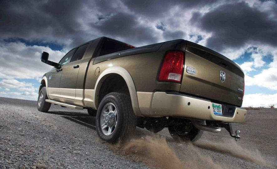 2012 Ford F-250 Super Duty King Ranch 4x4 crew cab and 2012 Chevrolet Silverado 2500 LTZ 4WD crew cab - Slide 29