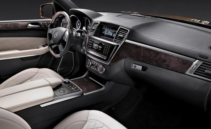 2013 Mercedes-Benz GL450 - Slide 34