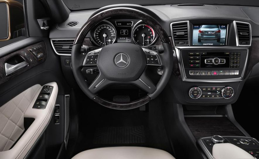 2013 Mercedes-Benz GL450 - Slide 35