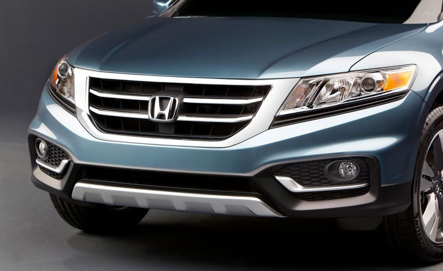 2013 Honda Crosstour concept - Slide 10