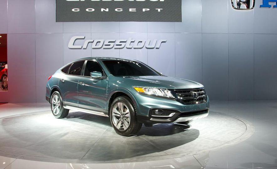 2013 Honda Crosstour concept - Slide 1