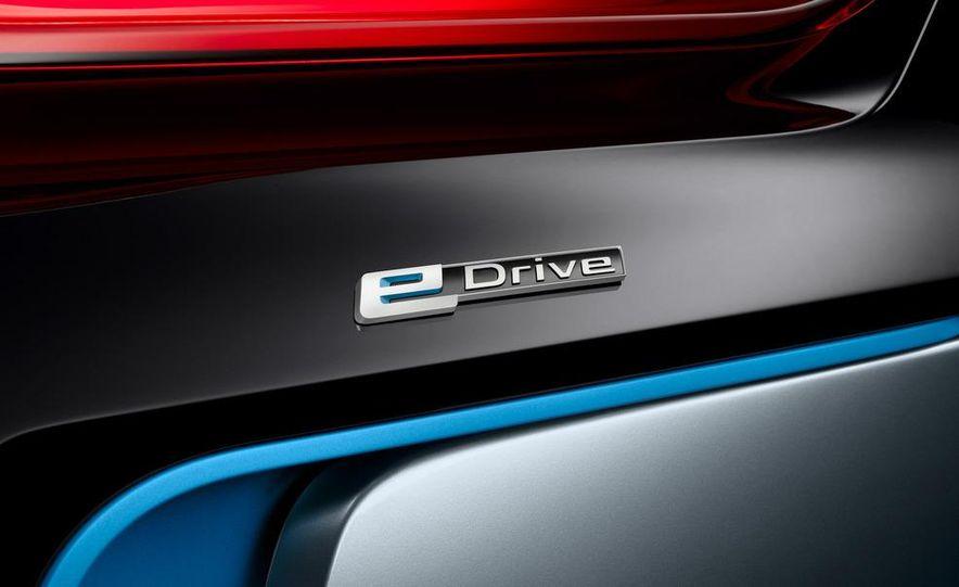 BMW i8 Concept Spyder - Slide 8