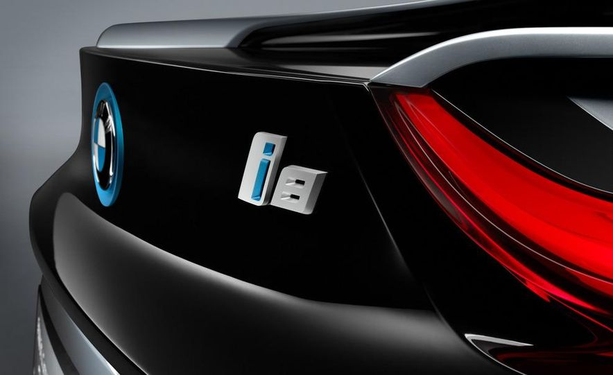 BMW i8 Concept Spyder - Slide 7