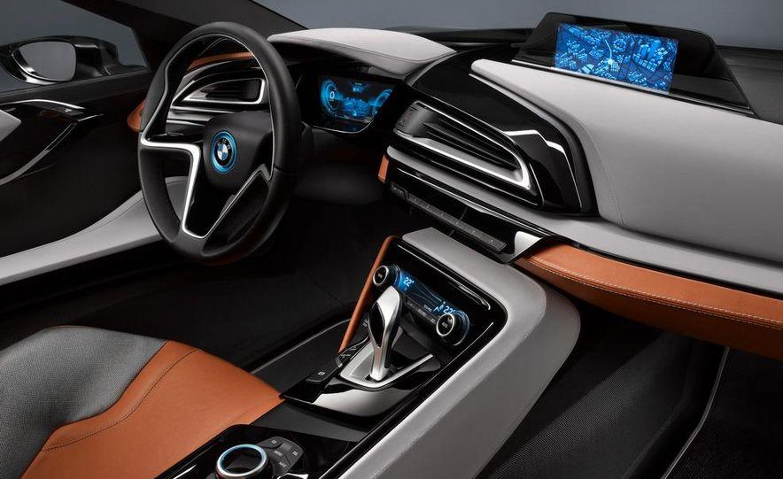 BMW i8 Concept Spyder - Slide 10