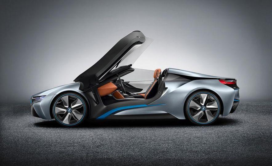 BMW i8 Concept Spyder - Slide 3