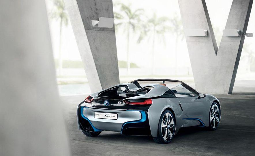 BMW i8 Concept Spyder - Slide 22