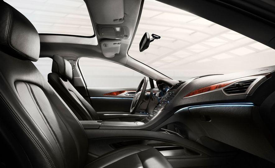 2013 Lincoln MKZ - Slide 28
