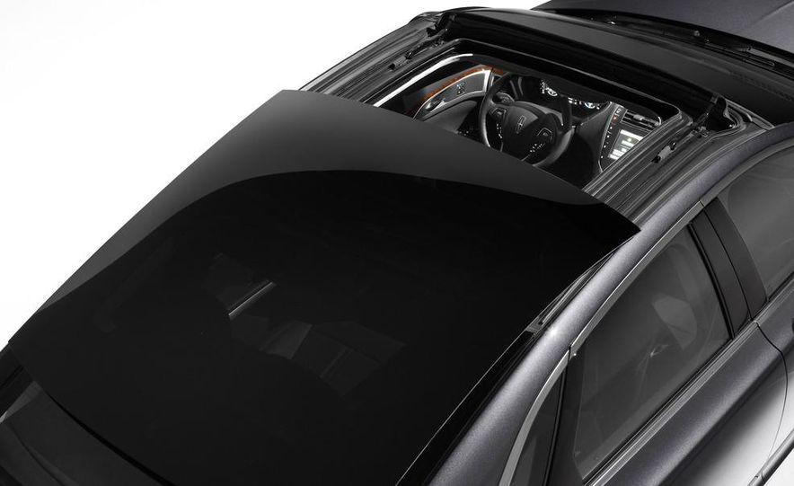 2013 Lincoln MKZ - Slide 24