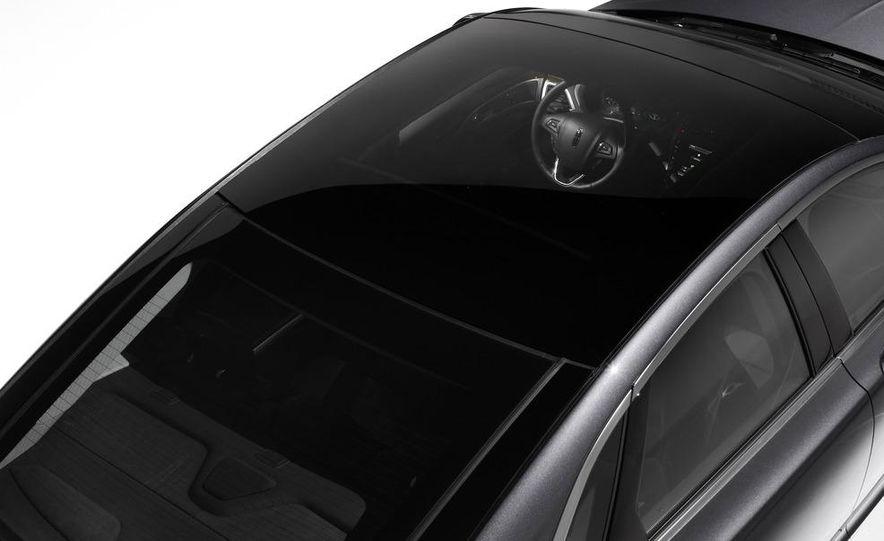 2013 Lincoln MKZ - Slide 25