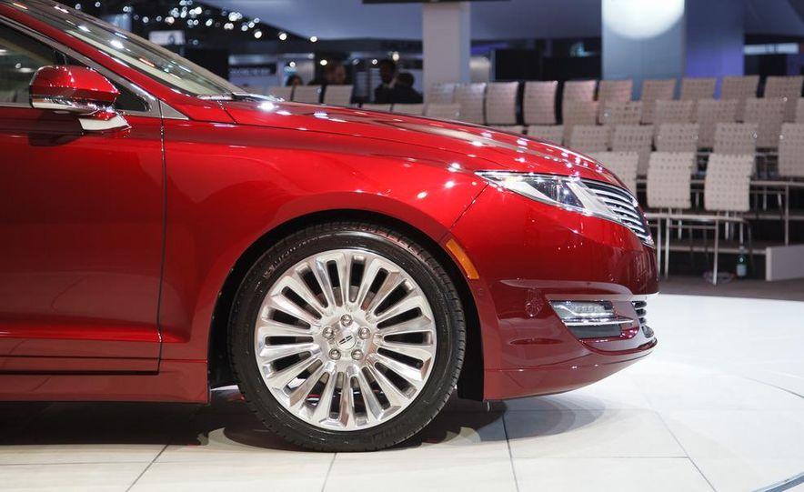 2013 Lincoln MKZ - Slide 7