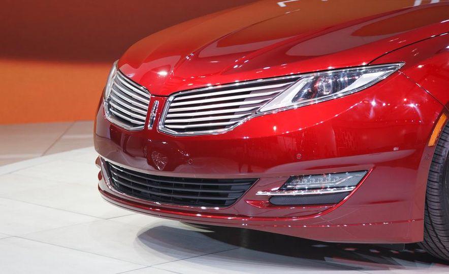 2013 Lincoln MKZ - Slide 9