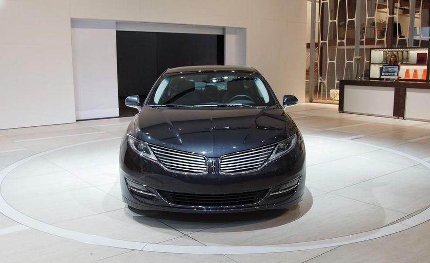 2013 Lincoln MKZ - Slide 14