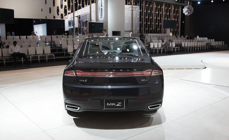 2013 Lincoln MKZ - Slide 15