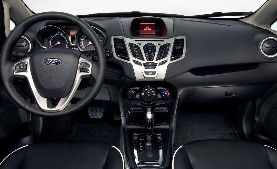 2014 Ford Fiesta hatchback (spy photo) - Slide 26