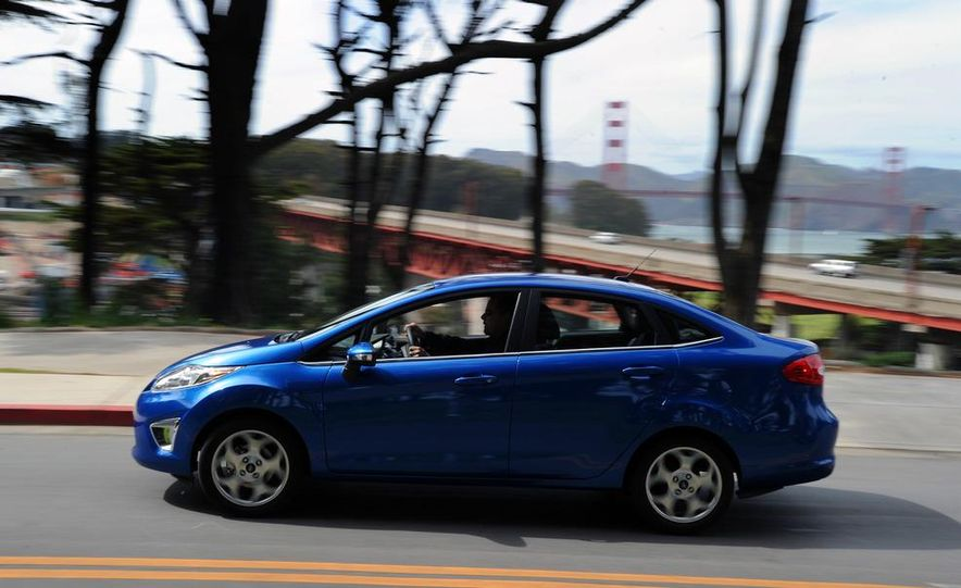 2014 Ford Fiesta hatchback (spy photo) - Slide 27