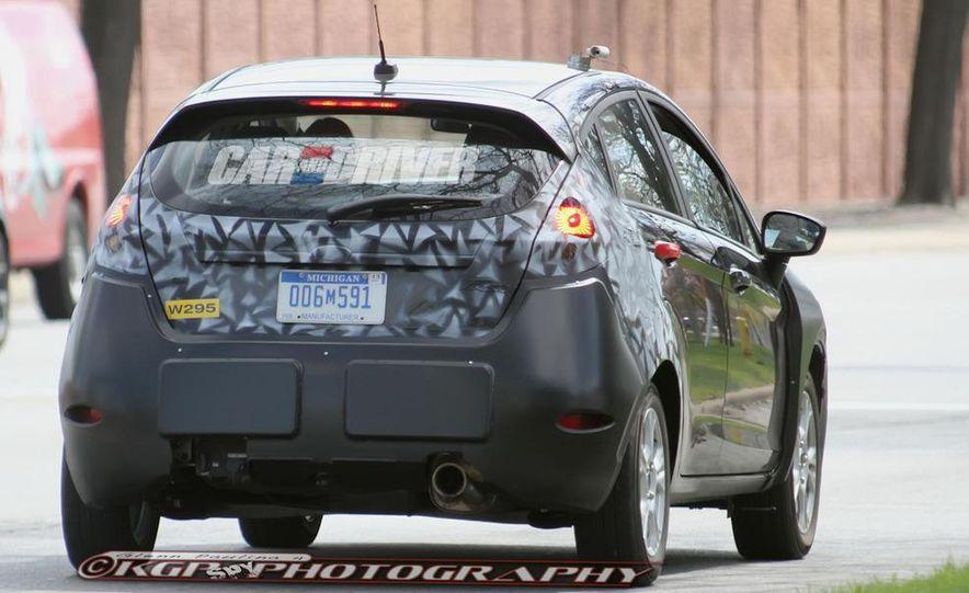 2014 Ford Fiesta hatchback (spy photo) - Slide 8