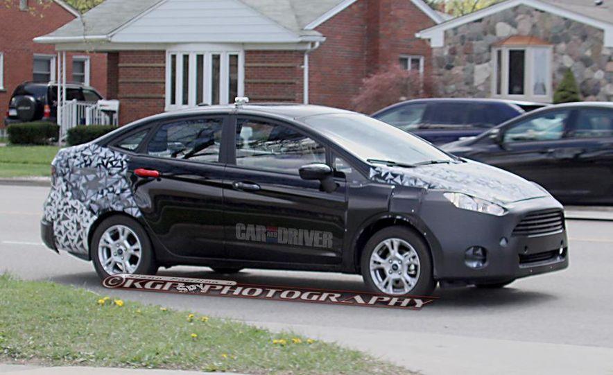 2014 Ford Fiesta hatchback (spy photo) - Slide 13