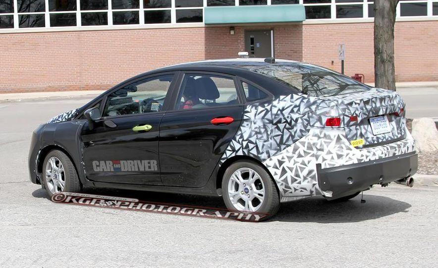 2014 Ford Fiesta hatchback (spy photo) - Slide 16