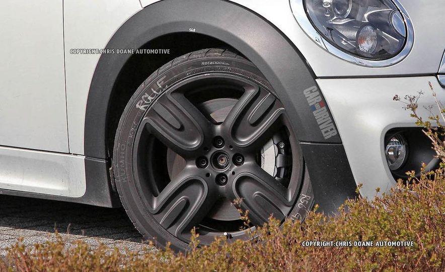 2013 Mini John Cooper Works Coupe GP II (spy photo) - Slide 6