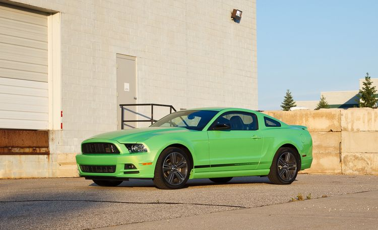 2013 Ford Mustang V-6 Premium