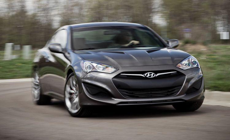 2013 Hyundai Genesis 2.0T / 3.8 R-Spec Coupe