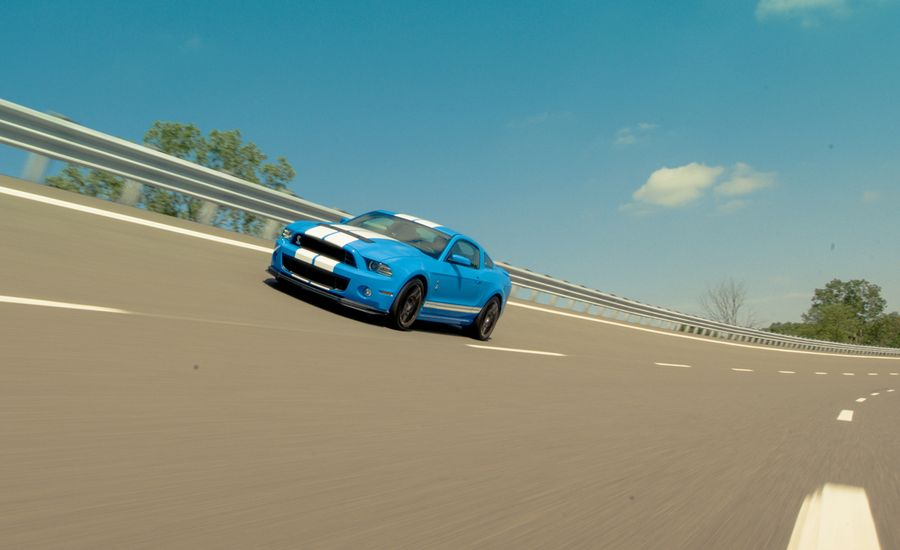 Flat-Out! We Gun for 200 mph in the 2013 Ford Mustang Shelby GT500