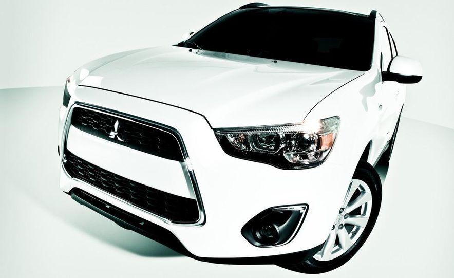 2013 Mitsubishi Outlander Sport - Slide 22