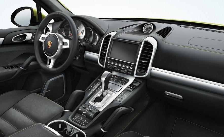 2013 Porsche Cayenne GTSs - Slide 30