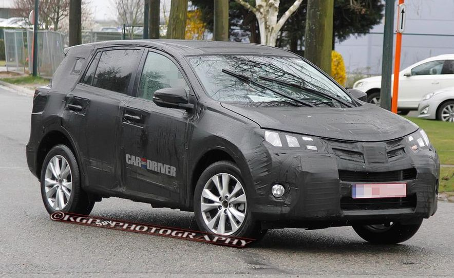2013 Toyota RAV4 (spy photo) - Slide 3