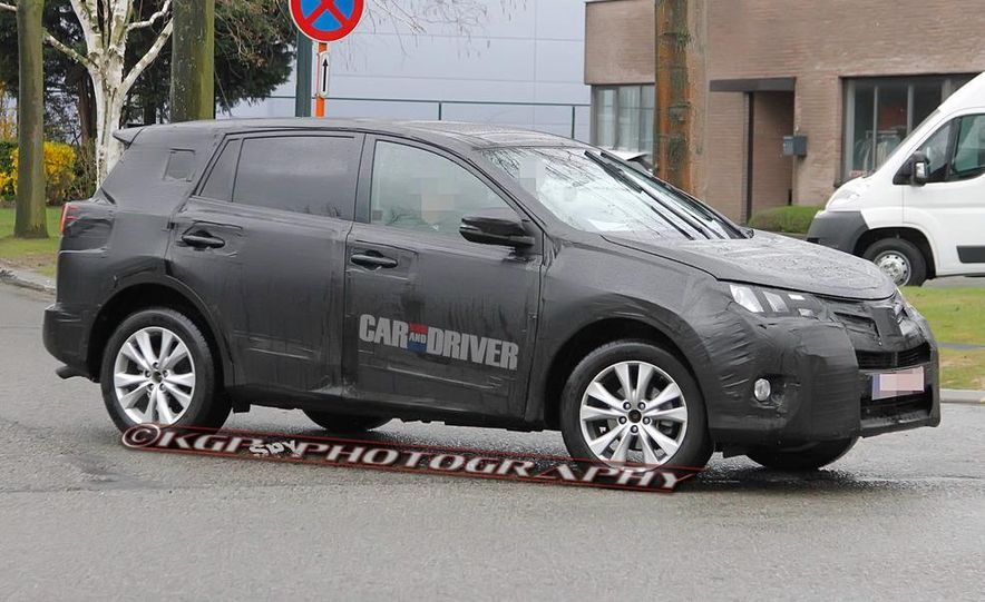 2013 Toyota RAV4 (spy photo) - Slide 4