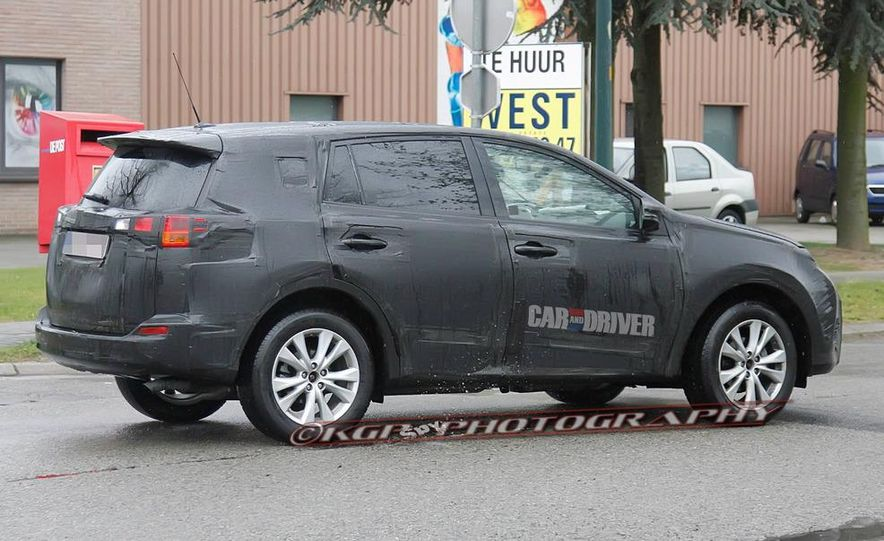 2013 Toyota RAV4 (spy photo) - Slide 6