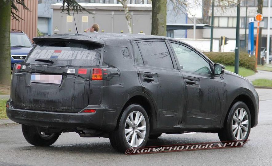 2013 Toyota RAV4 (spy photo) - Slide 7