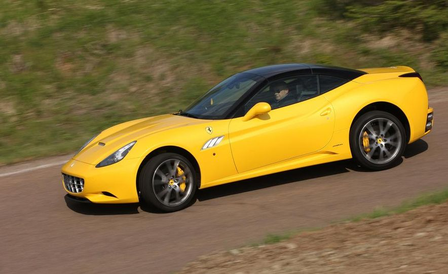 2013 Ferrari California - Slide 20